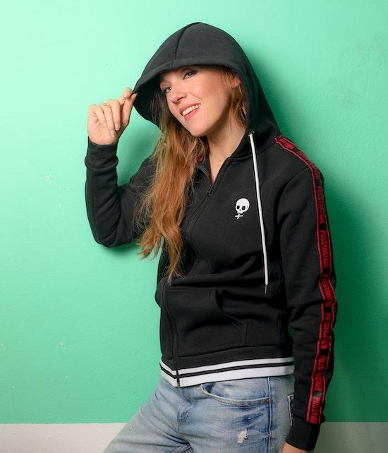 Carolin Kebekus - Sweatjacke Pussy mit Webband, schwarz